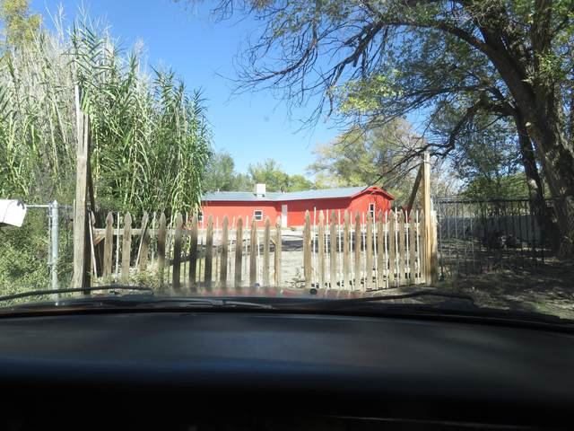 733 Arenal Road SW, Albuquerque, NM 87105 (MLS #1003288) :: Campbell & Campbell Real Estate Services
