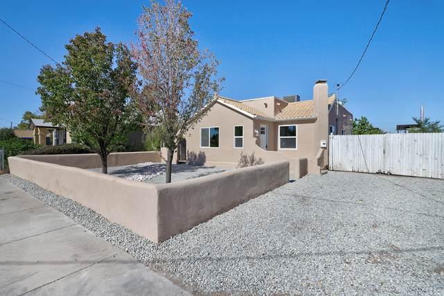 621 Bellamah Avenue NW, Albuquerque, NM 87102 (MLS #1003394) :: The Buchman Group