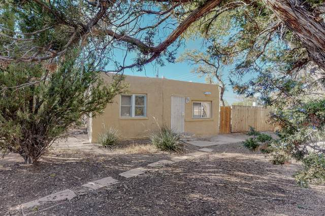 4207 Grande Drive NW, Albuquerque, NM 87107 (MLS #1003446) :: Campbell & Campbell Real Estate Services