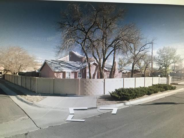 1720 57th St NW, Albuquerque, NM 87105 (MLS #1003458) :: The Buchman Group