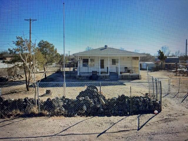 2000 Blake Road SW, Albuquerque, NM 87105 (MLS #1003554) :: Keller Williams Realty