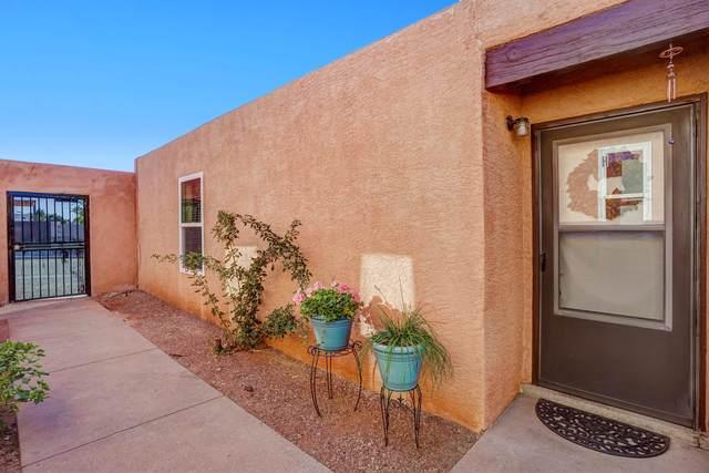 12345 Mountain Road NE H, Albuquerque, NM 87112 (MLS #1003630) :: The Buchman Group