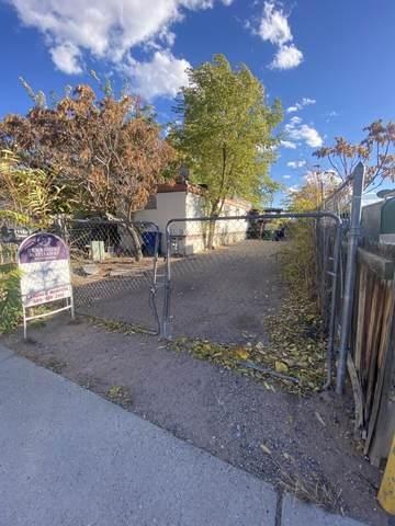 1408 Chester Lane SW, Albuquerque, NM 87105 (MLS #1003641) :: Keller Williams Realty