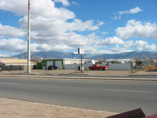 4016 2Nd Street NW, Albuquerque, NM 87107 (MLS #856593) :: Campbell & Campbell Real Estate Services