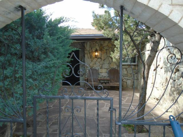 570 Solano Drive, Bosque Farms, NM 87068 (MLS #890338) :: Rickert Property Group