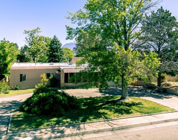 1112 Ridgecrest Drive SE, Albuquerque, NM 87108 (MLS #891817) :: Your Casa Team