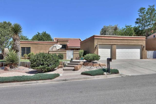 13111 Della Longa Lane NE, Albuquerque, NM 87111 (MLS #895011) :: Your Casa Team