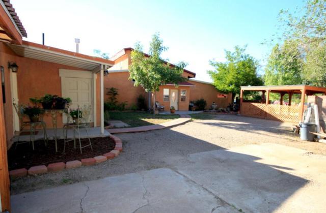 312 Nara Visa Road NW, Los Ranchos, NM 87107 (MLS #895112) :: Rickert Property Group