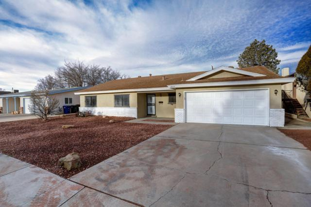 2825 Georgia Street NE, Albuquerque, NM 87110 (MLS #895189) :: Your Casa Team