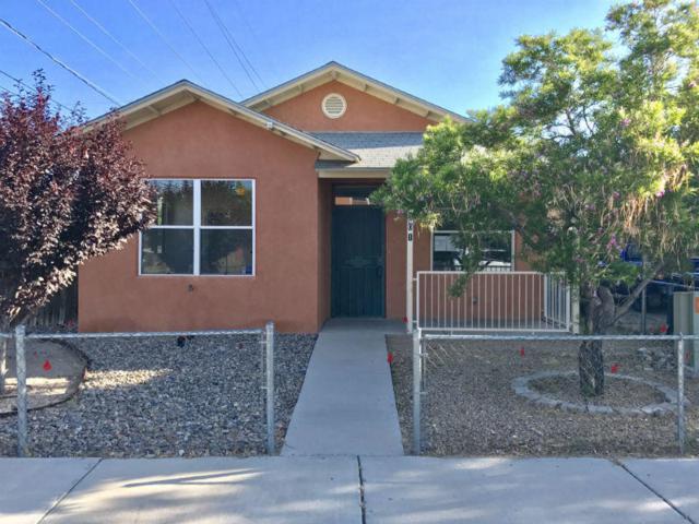 401 Placido Martinez Court NE, Albuquerque, NM 87102 (MLS #895282) :: Rickert Property Group