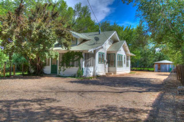 144 Vineyard Road NW, Albuquerque, NM 87107 (MLS #897913) :: Campbell & Campbell Real Estate Services