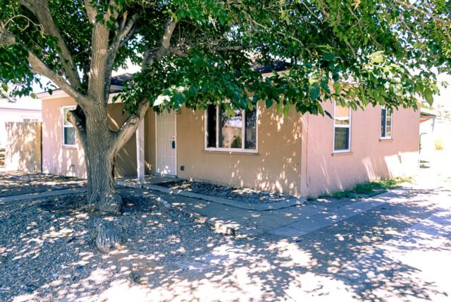 1810 La Veta Drive NE, Albuquerque, NM 87110 (MLS #898298) :: Will Beecher at Keller Williams Realty