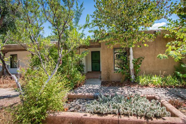 7715 Rio Grande Boulevard NW, Los Ranchos, NM 87107 (MLS #899295) :: Rickert Property Group