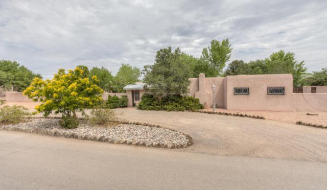 4100 Dietz Court, Los Ranchos, NM 87107 (MLS #899338) :: Rickert Property Group