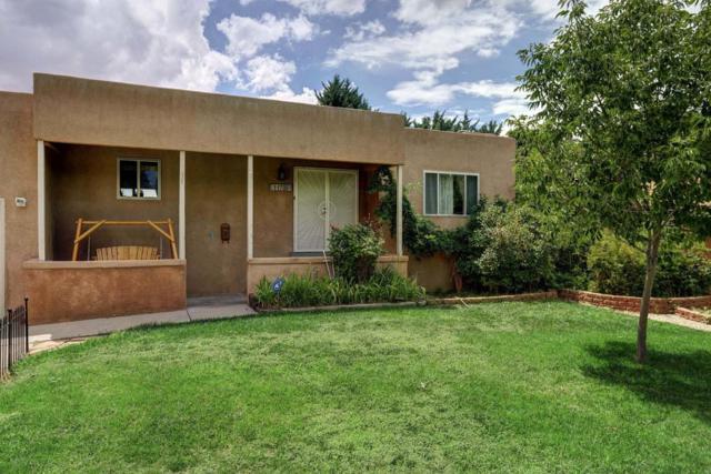 11708 Holiday Avenue NE, Albuquerque, NM 87111 (MLS #899730) :: Your Casa Team