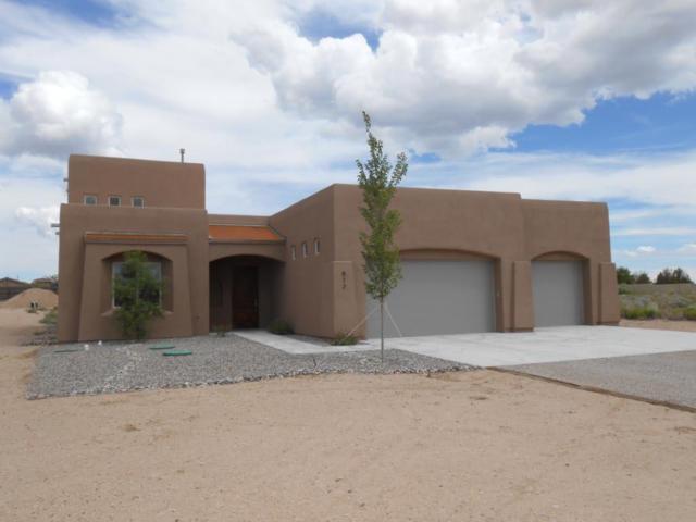 812 6th Street NE, Rio Rancho, NM 87124 (MLS #899963) :: Rickert Property Group