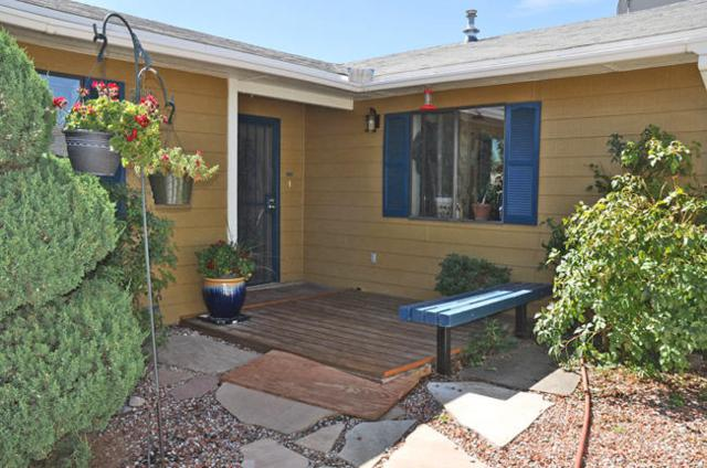 100 NW Hilton Avenue NW, Albuquerque, NM 87107 (MLS #899967) :: Rickert Property Group