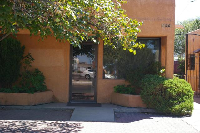 126 Monroe Street NE, Albuquerque, NM 87108 (MLS #900596) :: Campbell & Campbell Real Estate Services