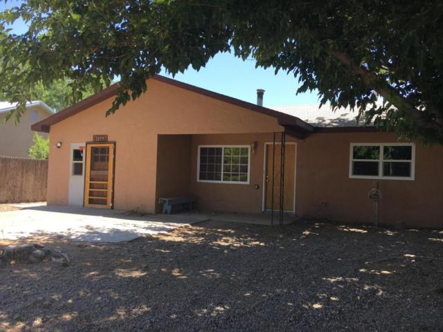 1019 Pecan Court, Los Lunas, NM 87031 (MLS #902061) :: Campbell & Campbell Real Estate Services