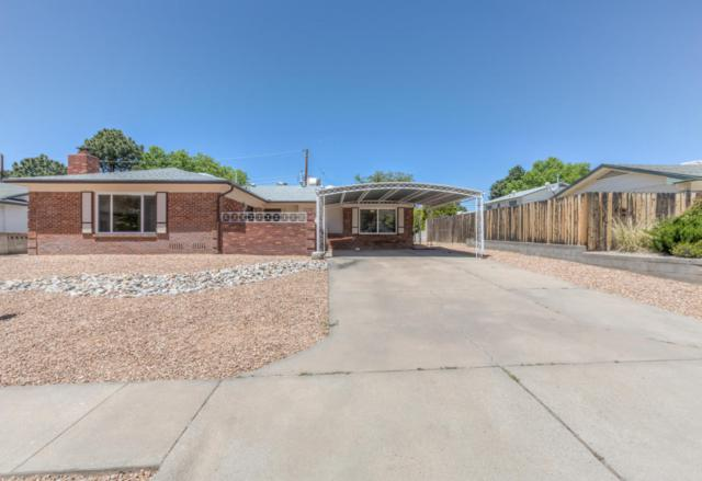 3209 Riviera Place NE, Albuquerque, NM 87111 (MLS #902303) :: Your Casa Team