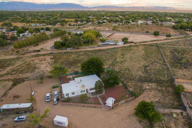 5325 Raglin Avenue SW, Albuquerque, NM 87121 (MLS #903944) :: Campbell & Campbell Real Estate Services