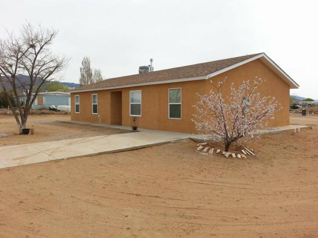 4 Holiday Drive, Los Lunas, NM 87031 (MLS #907940) :: Campbell & Campbell Real Estate Services