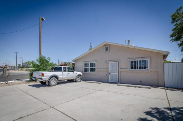 518 Gibson Boulevard SE, Albuquerque, NM 87102 (MLS #914106) :: Campbell & Campbell Real Estate Services
