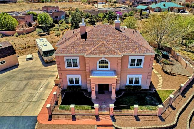 8900 Eagle Rock Avenue NE, Albuquerque, NM 87122 (MLS #915043) :: Your Casa Team