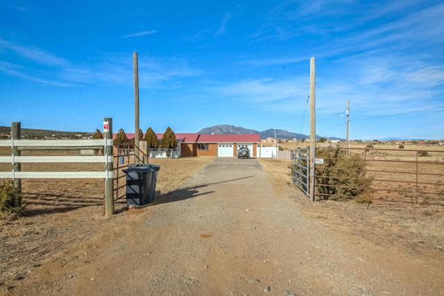 49 Bachelor Trail, Edgewood, NM 87015 (MLS #916392) :: Campbell & Campbell Real Estate Services