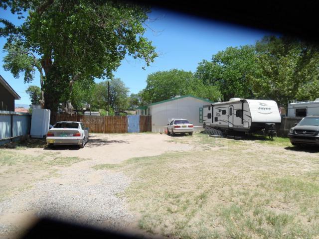 2436 Franzen Road SW, Albuquerque, NM 87105 (MLS #918883) :: Campbell & Campbell Real Estate Services