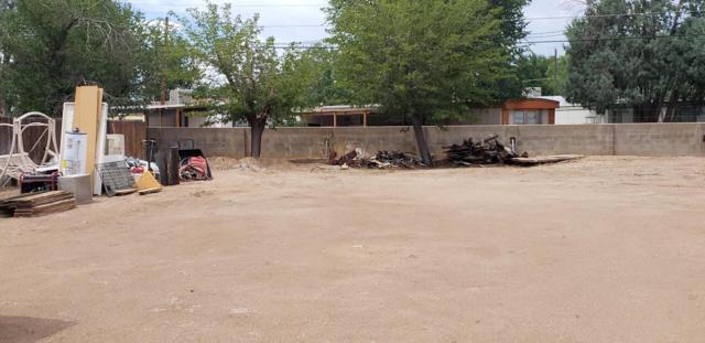 353 Pueblo Solano Road NW, Los Ranchos, NM 87107 (MLS #923556) :: Your Casa Team
