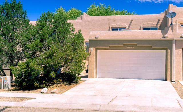 11219 Campo Del Oso NE, Albuquerque, NM 87123 (MLS #923987) :: Your Casa Team