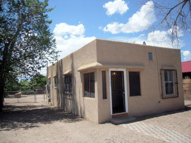 1943 Edith Boulevard SE, Albuquerque, NM 87102 (MLS #924161) :: Will Beecher at Keller Williams Realty