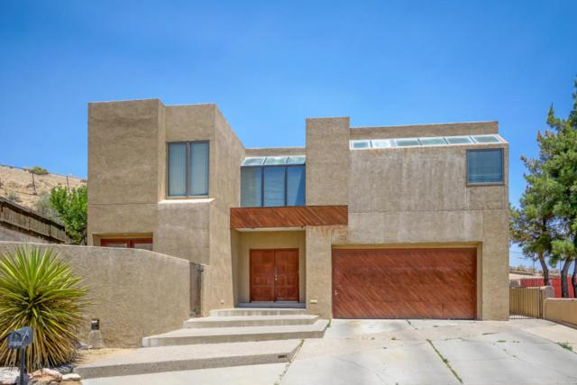 5005 Cascade NW, Albuquerque, NM 87105 (MLS #924795) :: Campbell & Campbell Real Estate Services