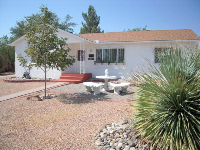 1807 Ridgecrest Circle SE, Albuquerque, NM 87108 (MLS #926245) :: Your Casa Team