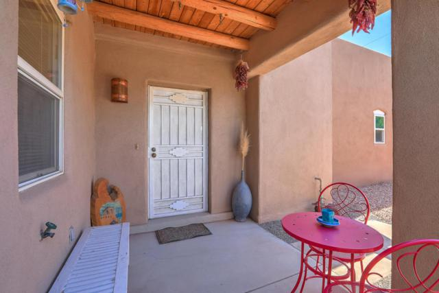 1509 Mountain Road NW, Albuquerque, NM 87104 (MLS #926302) :: Campbell & Campbell Real Estate Services