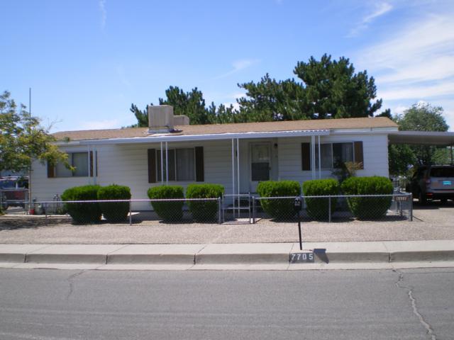 7705 Luana Street NE, Albuquerque, NM 87109 (MLS #926927) :: Campbell & Campbell Real Estate Services