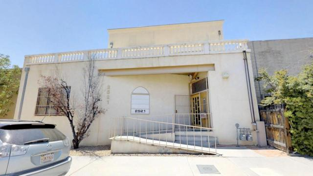2521 Madison Street NE, Albuquerque, NM 87110 (MLS #926989) :: Silesha & Company