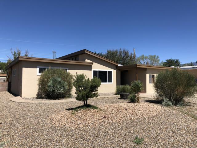 2523 Stevens Drive NE, Albuquerque, NM 87112 (MLS #927318) :: Campbell & Campbell Real Estate Services