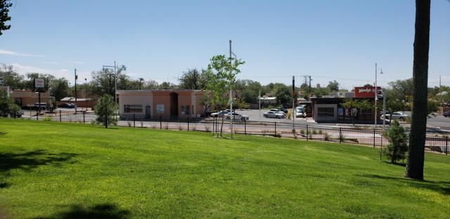 1822 Central Avenue SE, Albuquerque, NM 87106 (MLS #927473) :: Campbell & Campbell Real Estate Services