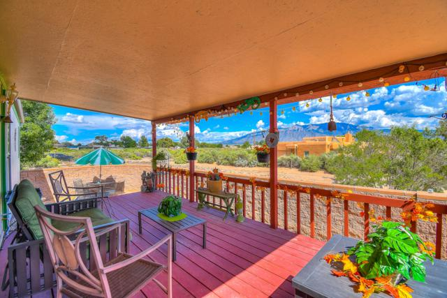 681 Perfecto Lopez Road, Corrales, NM 87048 (MLS #928406) :: Campbell & Campbell Real Estate Services