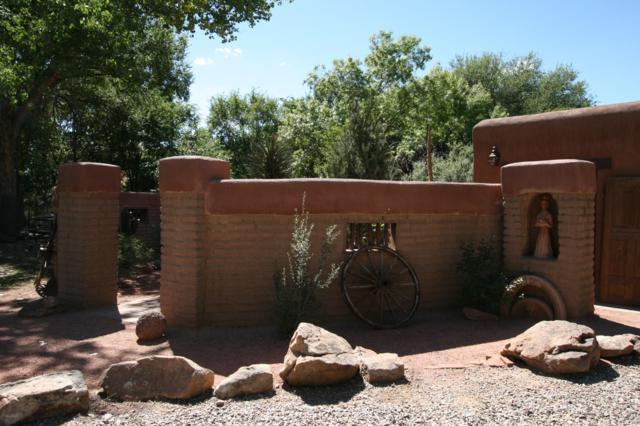 239 La Entrada, Corrales, NM 87048 (MLS #928609) :: Your Casa Team