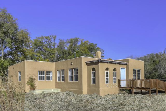 331 Vineyard Road NW, Los Ranchos, NM 87107 (MLS #928835) :: Your Casa Team