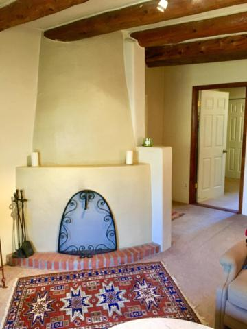 105 La Loma Street, Taos, NM 87571 (MLS #929222) :: Campbell & Campbell Real Estate Services