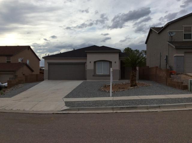 5205 Clovis Court NE, Rio Rancho, NM 87144 (MLS #929279) :: The Stratmoen & Mesch Team