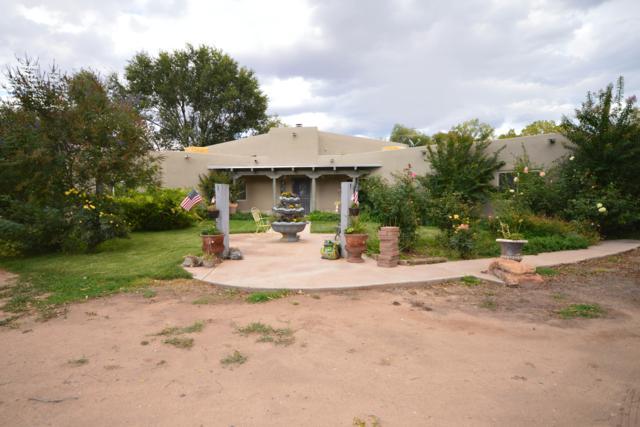 111 Fresquez Road NE, Albuquerque, NM 87113 (MLS #930531) :: The Stratmoen & Mesch Team