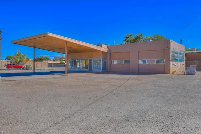 3910 4Th Street NW, Albuquerque, NM 87107 (MLS #930672) :: Campbell & Campbell Real Estate Services