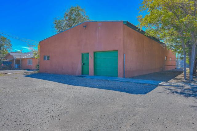 320 Headingly Avenue NW, Albuquerque, NM 87107 (MLS #930696) :: Campbell & Campbell Real Estate Services