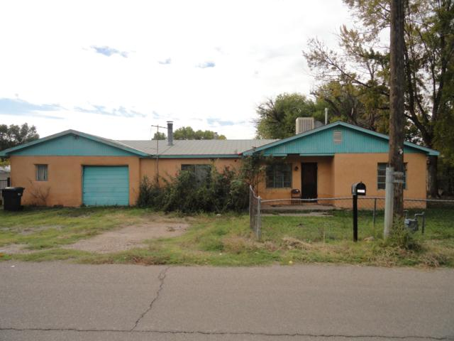 2248 Henry Road SW, Albuquerque, NM 87105 (MLS #930702) :: The Stratmoen & Mesch Team