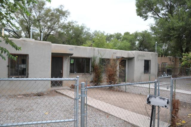 1202 Villa Rosie Court SW, Albuquerque, NM 87105 (MLS #930785) :: Campbell & Campbell Real Estate Services